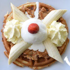 Imagen full waffle crema mani dinays - Frutería y Heladería en Cali